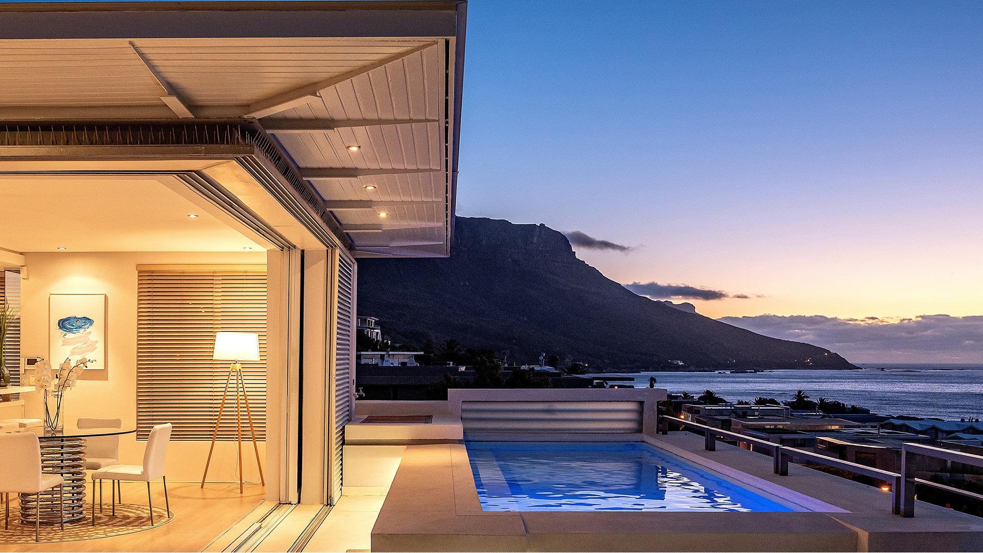 blue-views-luxury-villa-penthouse-accommodation-camps-bay-1