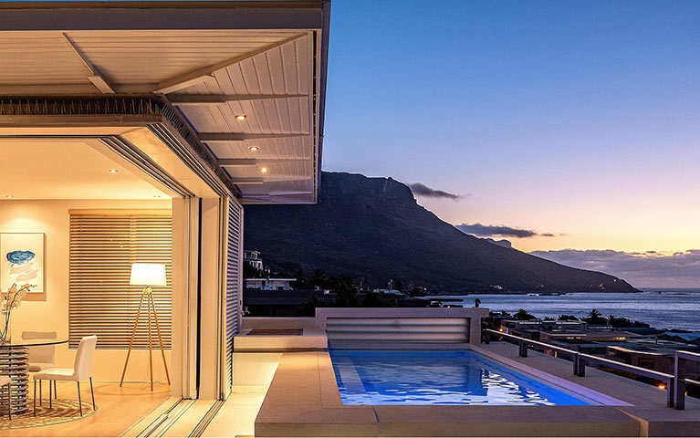 blue-views-luxury-villa-penthouse-accommodation-camps-bay-mobile-1