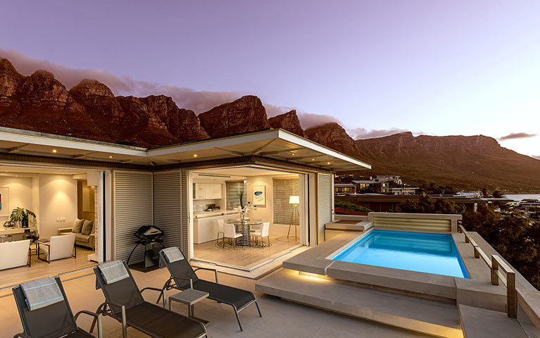 blue-views-luxury-villa-penthouse-accommodation-camps-bay-mobile-2