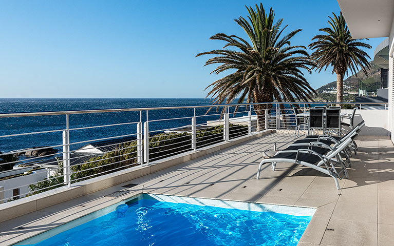 blue-views-luxury-villa-penthouse-accommodation-camps-bay-mobile-4