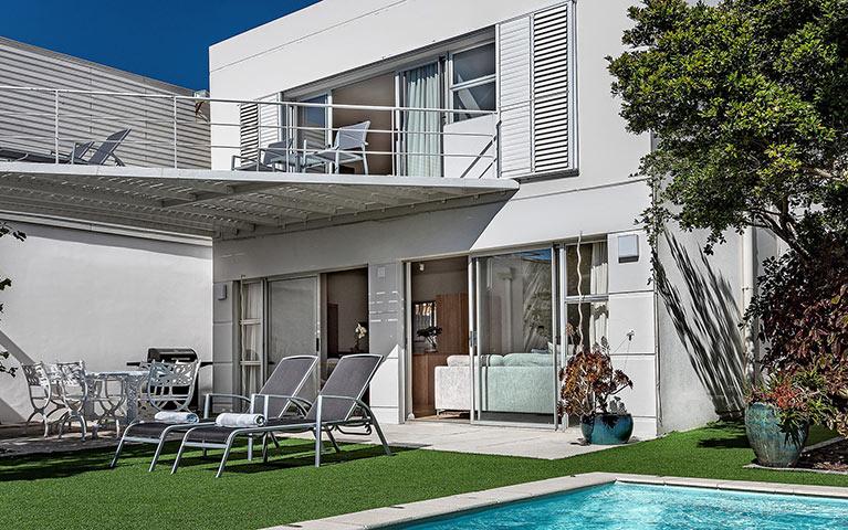 blue-views-villas-cottage-mobile-2