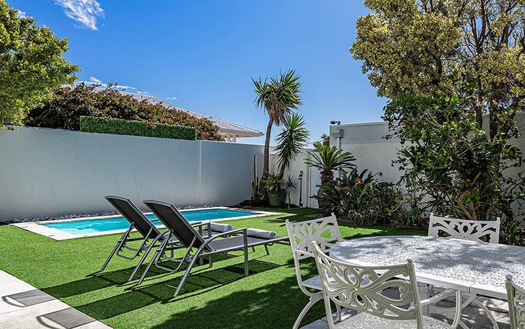 blue-views-villas-cottage-mobile-4