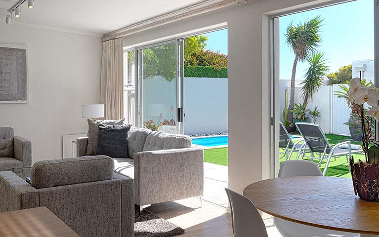 blue-views-villas-cottage-mobile-9